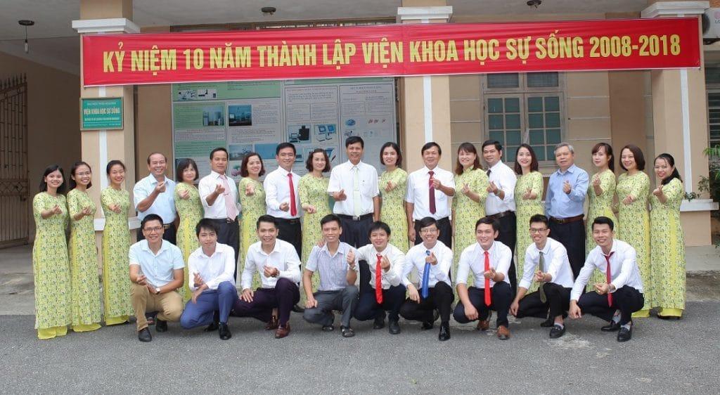 Tập thể Viện Khoa học Sự sống - Đại học Thái Nguyên