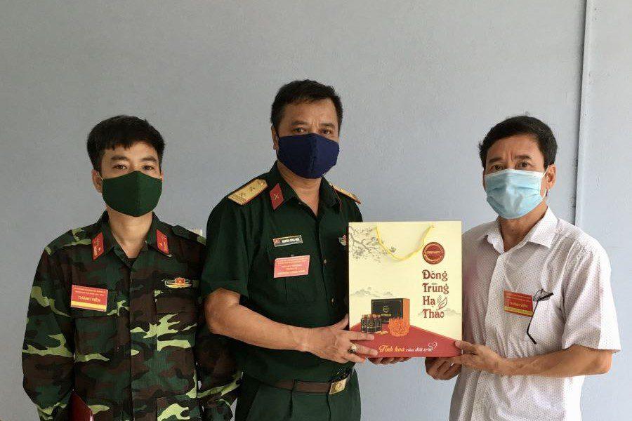 Động viên cán bộ nhân viên Sở chỉ huy khu cách ly tập trung phòng chống dịch Covid – 19 tại Trường Đại học Nông Lâm